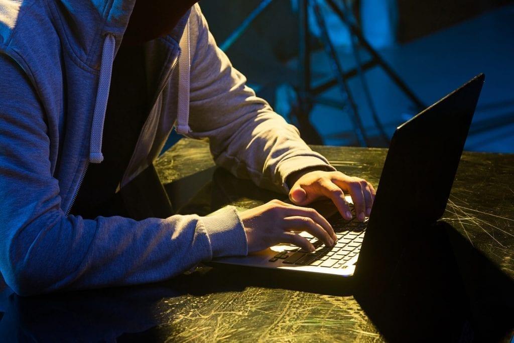 krack-attack-hacker-wifi